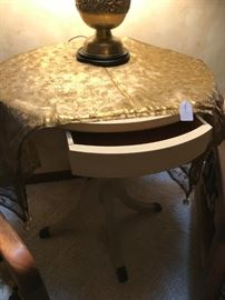 VINTATGE PEDESTAL SIDE TABLE WITH FRONT DRAWER AND CLAW FEET