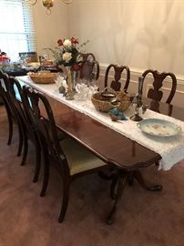Dbl. Pedastal Dining Table w/8 chairs