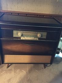 Roma stereo console and shortwave radio