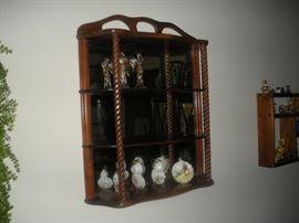 mirrored back wall shelf