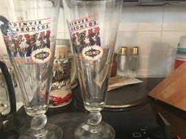 Denver Broncos collectors Super Bowl  XXWIII beer glasses