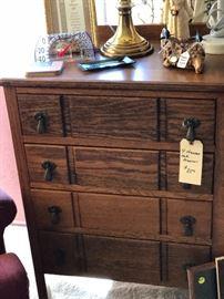 4 drawer Dresser it Enrty Or Side. Use imagination great size