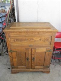 ANTIQUE WOOD ICE BOX CHEST