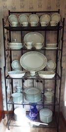"Noritake ""Savannah"" 93 pieces set of china, service for 12"