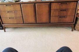 8 drawer 2 door unit