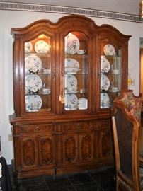 CHINA CABINET WITH EASTERLING BAVARIAN CHINA