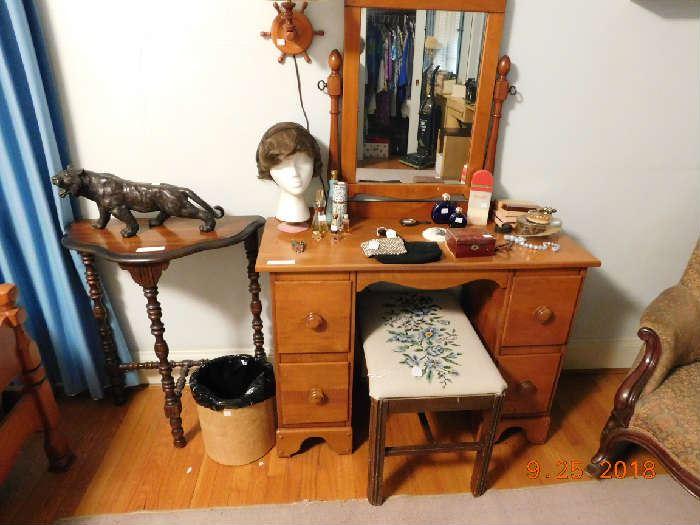 Nice maple bedroom set.