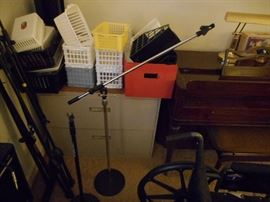 Realistic Mic Stand
