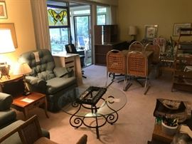 Kitchen Table, Mattresses, Bedroom Furniture, Coffee Tables, and much more