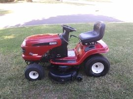 CRAFTSMAN DLT 3000 RIDING LAWN MOWER