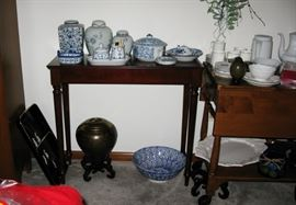 small hall table  BUY IT NOW  $ 55.00