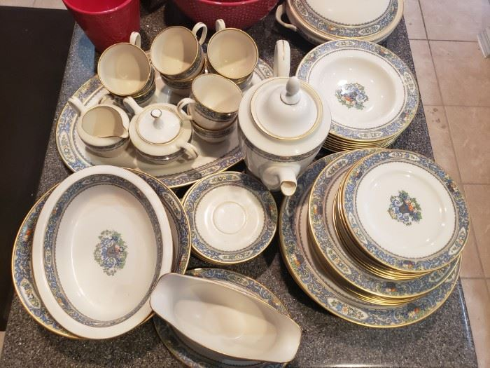 Lenox Autumn Dish set service for 8