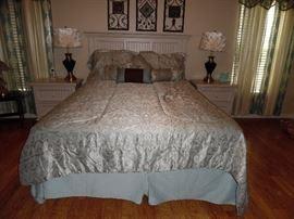 White Queen size bedroom set