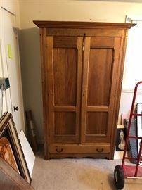 Antique Pinen Linen Press