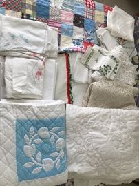 Vintage Linens incl. Patchwork and Appliqued Quilts, Embroidered Pillowcases and Fancy Work.