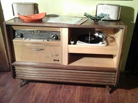 TELEFUNKEN HI - FI STEREO SYSTEM MADE IN GERMANY ( WORKING )