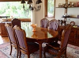 Very Nice Thomasville Dining Table w/6 Chairs in Excellent Condition