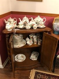 Lots of Strawberry patterned china! Including Wedgewood!