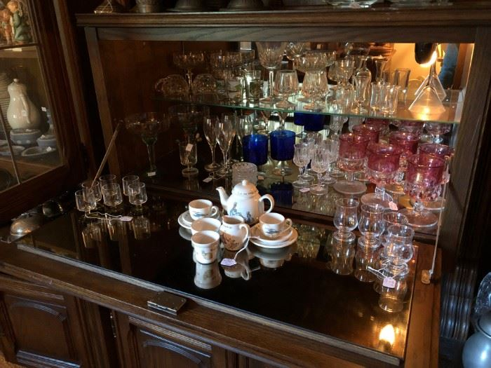 So much great barware!
