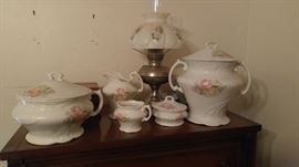 Entire bedroom set chamber pot & more Victorian