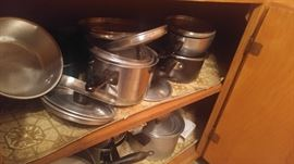 Look!! More pots & pans....don't worry we'll get them out b4 you come to the sale