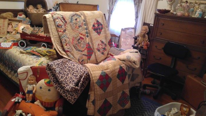 amazing vintage hand made stitched quilts Primitive pine blanket chest