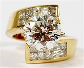 4.0CT DIAMOND (GIA) & 14KT YELLOW GOLD RING, SIZE 3.25, J COLOR, SI-1, ALSO 1.40CTS. DIAMONDS Lot # 2071