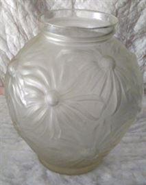 etling france dahlia vase