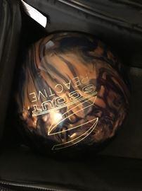 Columbia Scout Bowling Ball