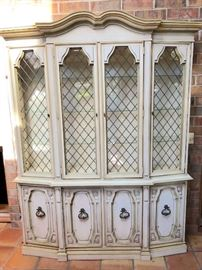 Lighted Display Hutch