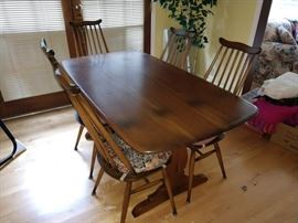 Dining Room:  Beautiful Dining Table w/Chairs