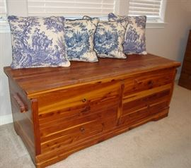 """DAYS GONE BY """"CEDAR CHEST"""" IN EXCELLENT CONDITION!"""