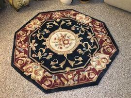 Octagonal rug