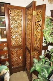 Beautiful wooden decorative room divider/screen