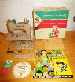 Vintage Singer 20 Sew Handy child's sewing machine & accessories
