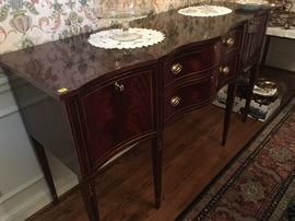 Beautiful Sheridan-style book-match mahogany Sideboard from Hickory Furniture