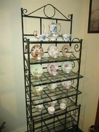 BAKERS RACK, TEACUPS-SHELLEY, PARAGON