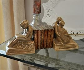 Pair of 1921 Rookwood bookends with a complete set of fragile miniature Shakespeare works