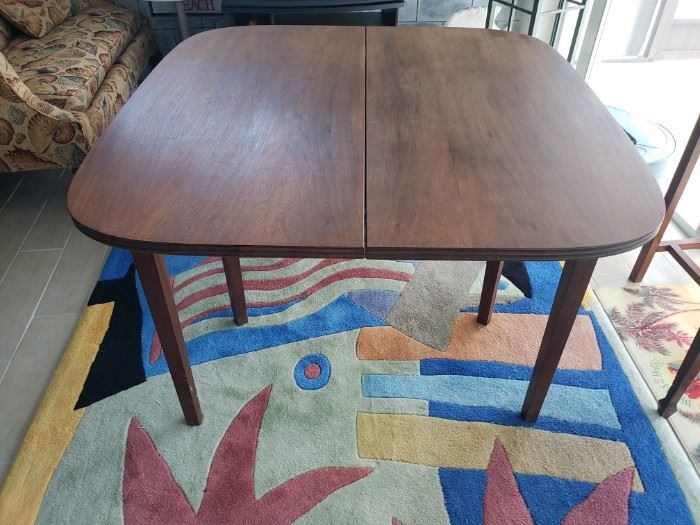 ANTIQUE FROM THE 40'S FOLDING CARD TABLE