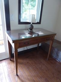 Vintage Cable Extension Table - Wonderful for small areas but will extend to seat 8-10 people! Excellent Condition!