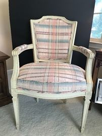 Very nice french style chair.