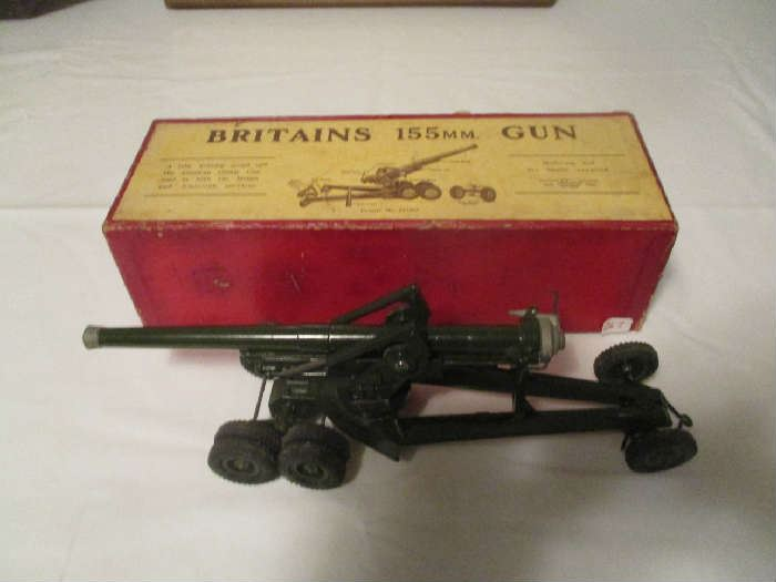 Britains 155mm gun in the original box