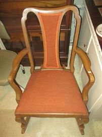 Arm dining room chair