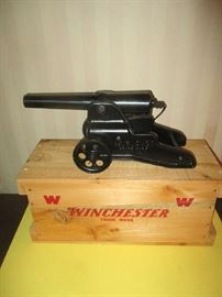 Winchester breech loading cannon in original wood box