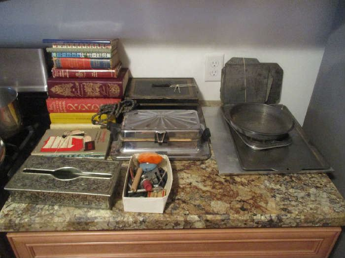 Cookbooks and Kitchen items