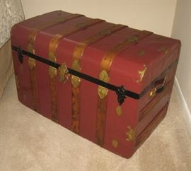 Trunk with accents