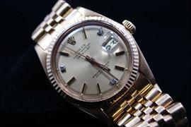 18K Gold Rolex Men's Watch with Date