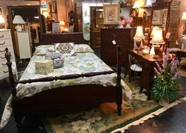 3-Piece Mahogany Antique Bedroom Suit, Full Size, w/ Dressing Table and Chest