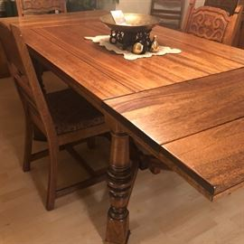 extending draw ends Dining Table...great vintage DR