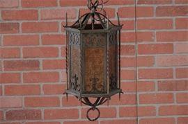 AK17Metal and Glass Pendant Lamp